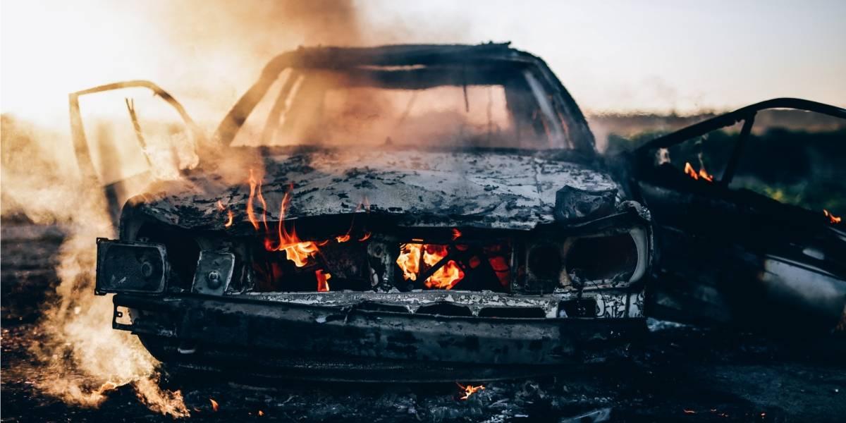 Casi un milagro: bebé de 14 meses sobrevive a trágico accidente luego de ser lanzada instantes antes del choque y posterior incendio del vehículo