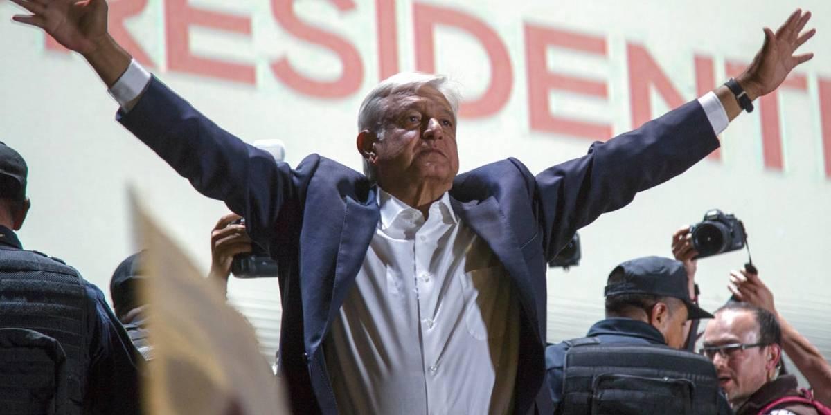 """López Obrador se jacta de no necesitar guardaespaldas en México: """"El pueblo me protege"""""""
