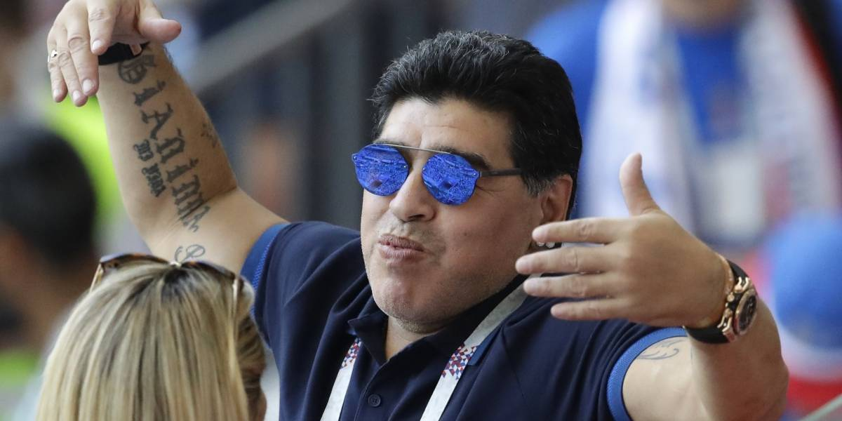 Maradona se reúne con nuevo presidente argentino