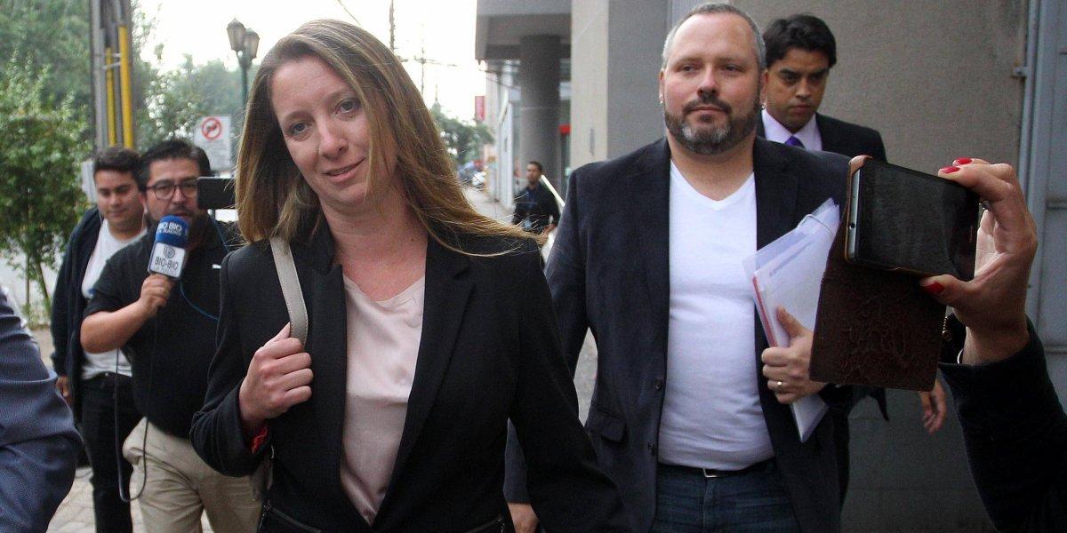 """Plagio es la nueva acusación: fiscal solicita reformalizar a la pareja Dávalos - Compagnon por """"copypaste"""""""