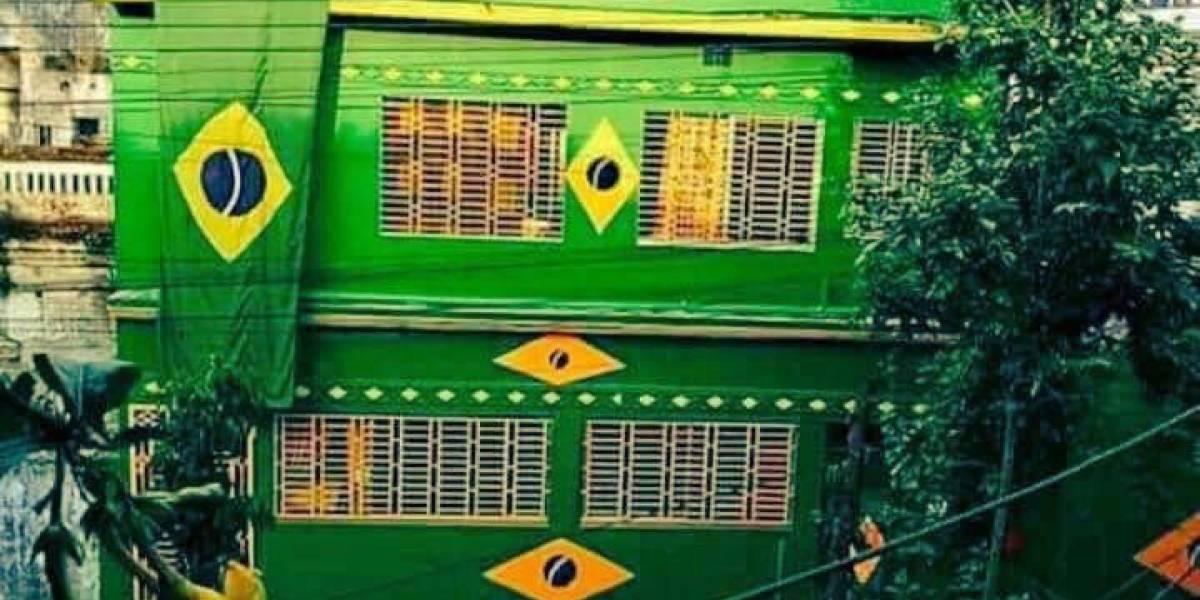 Essa casa não é no Brasil! Tem um país torcendo muito pra gente na Copa