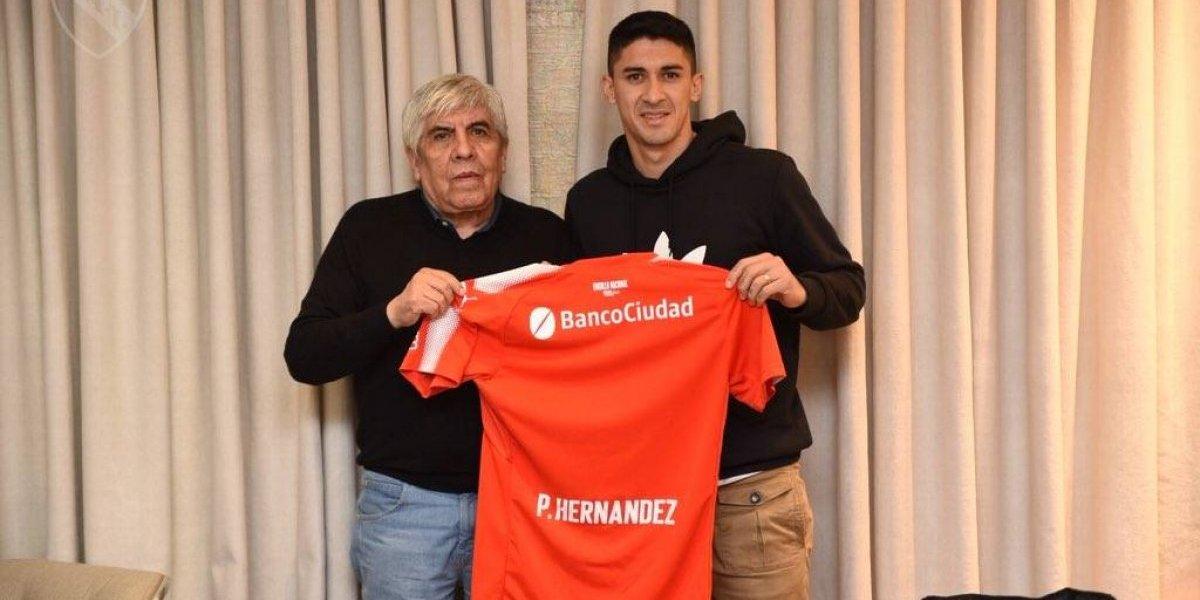 Más rojos que nunca: El Tucu Hernández aumenta la legión chilena en Independiente