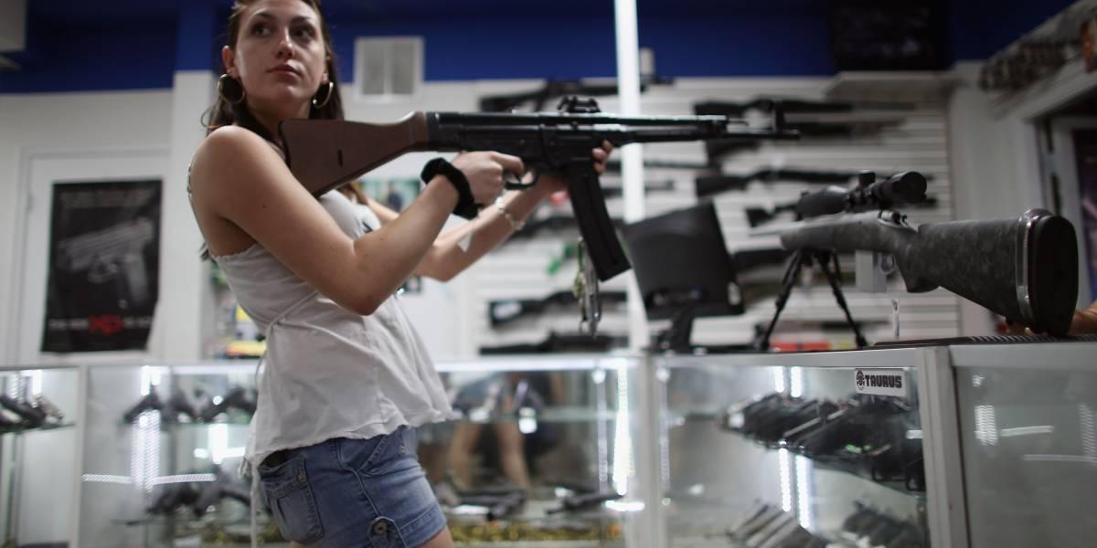 Florida acepta que hubo errores al otorgar permisos de portar armas