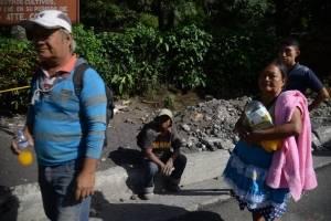 pobladores bloquean RN-14 para pedir seguir búsqueda de desaparecidos por erupción