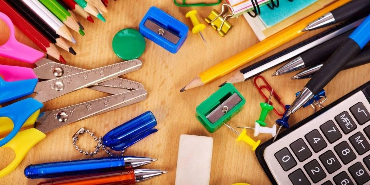 Aprueban programa de reembolso para maestros por compra de materiales educativos