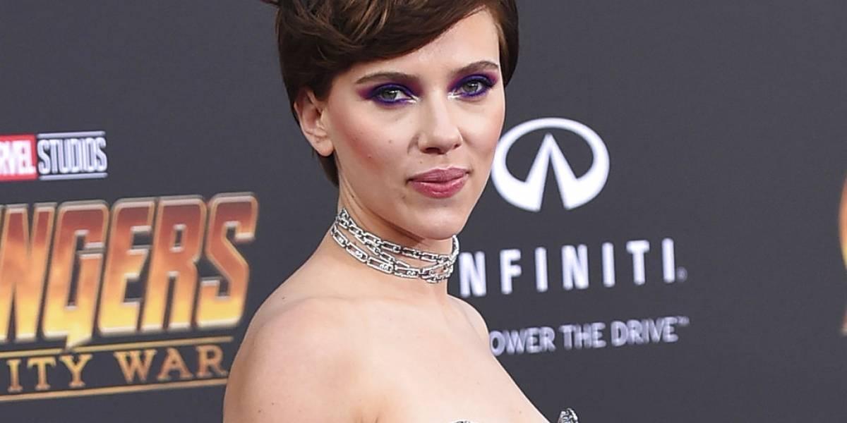 Critican a Scarlett Johansson por interpretar a un hombre trans