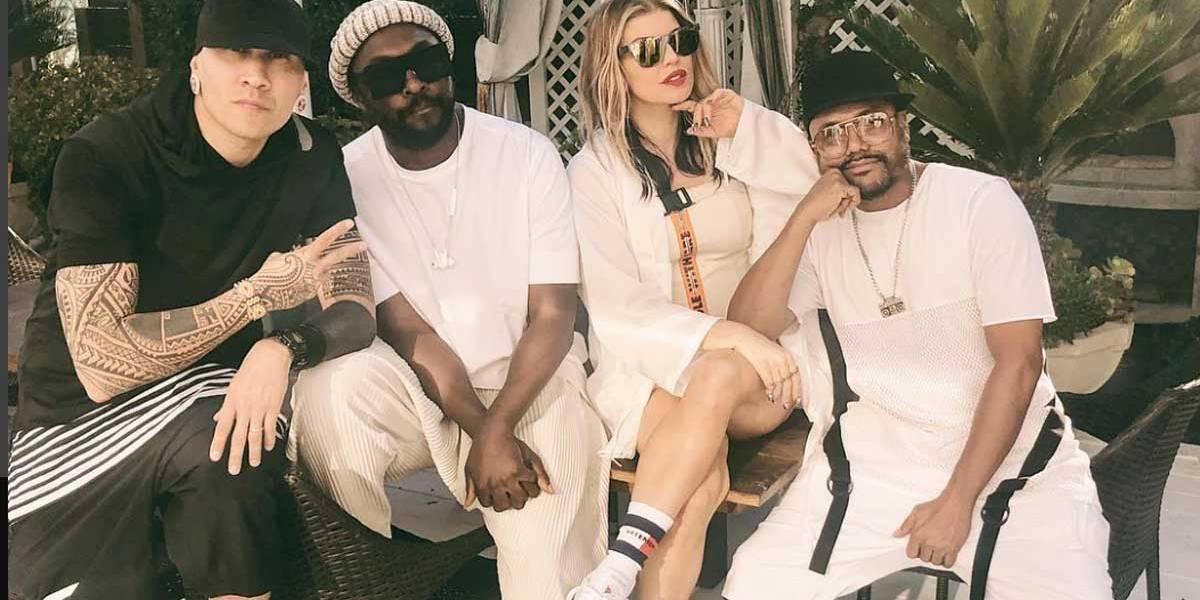 Fãs comemoram foto postada por Fergie com Black Eyed Peas