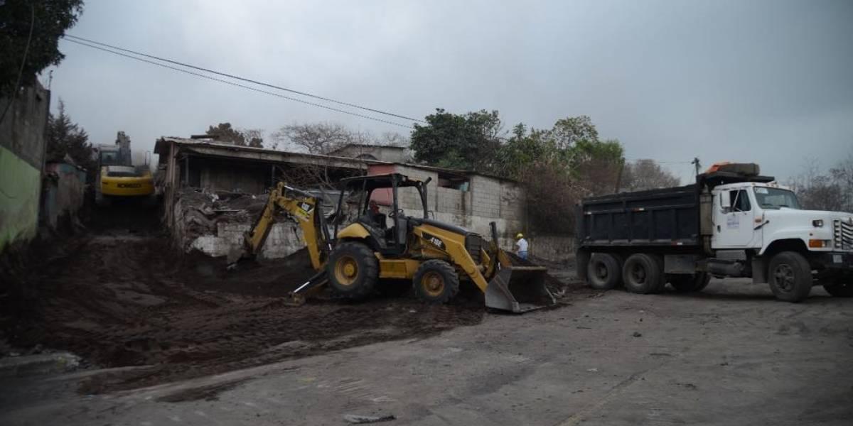 """Sobrevivientes aferran sus esperanzas al """"Callejón Principal"""" para encontrar víctimas"""