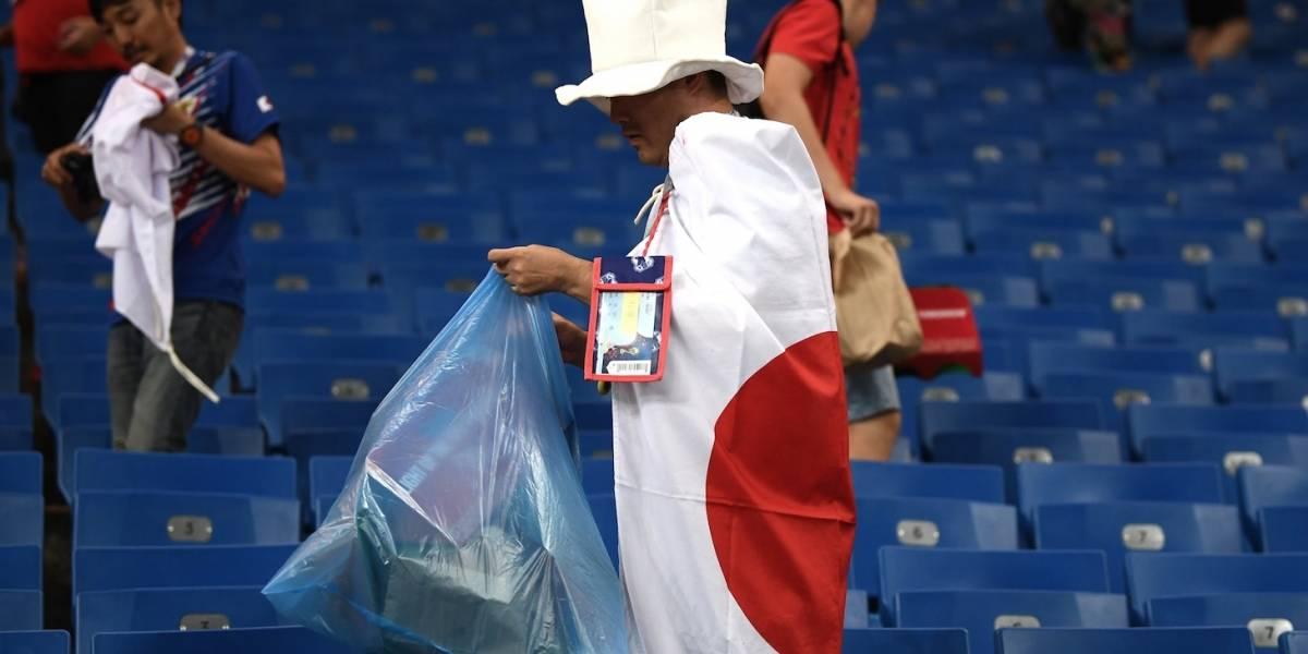 Aficionados son admirados por limpiar los estadios del Mundial