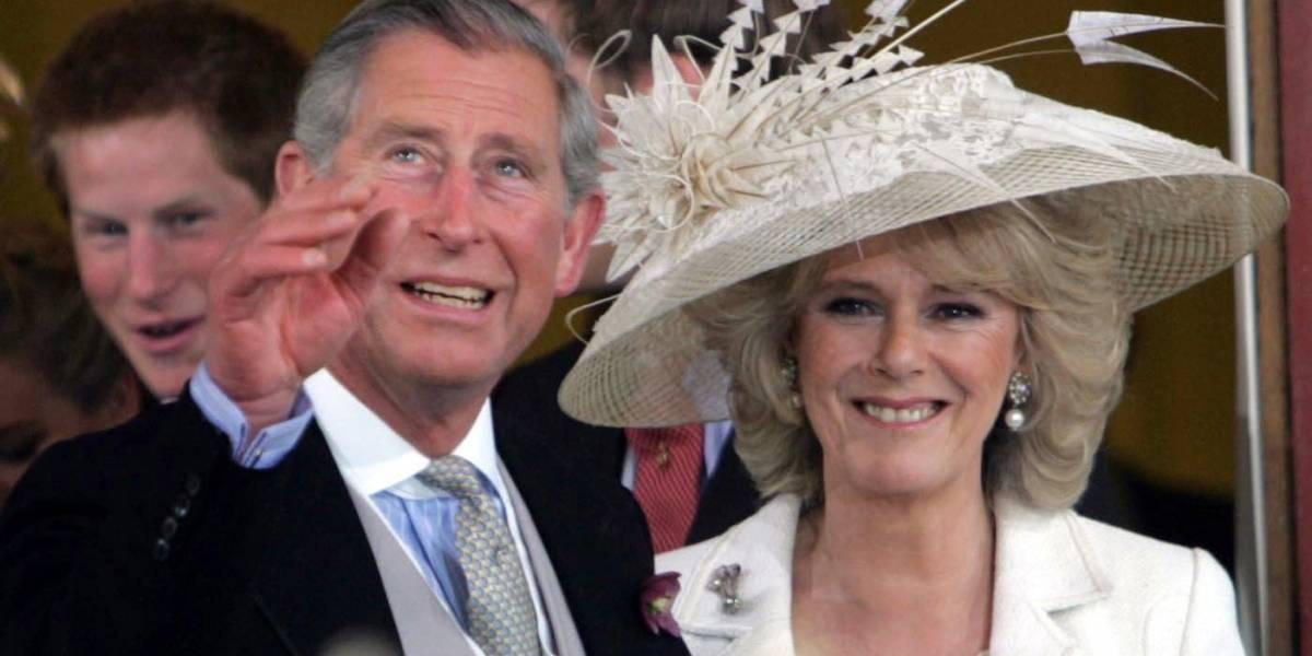 La dura vida de Diana: El príncipe Carlos lloró la noche antes de casarse con Lady Di por otra mujer