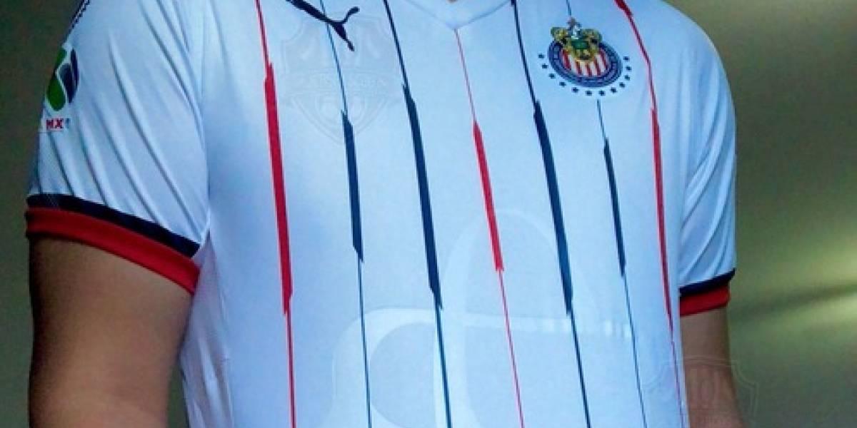 Supuestos nuevos jerseys de Chivas desatan furia de sus seguidores