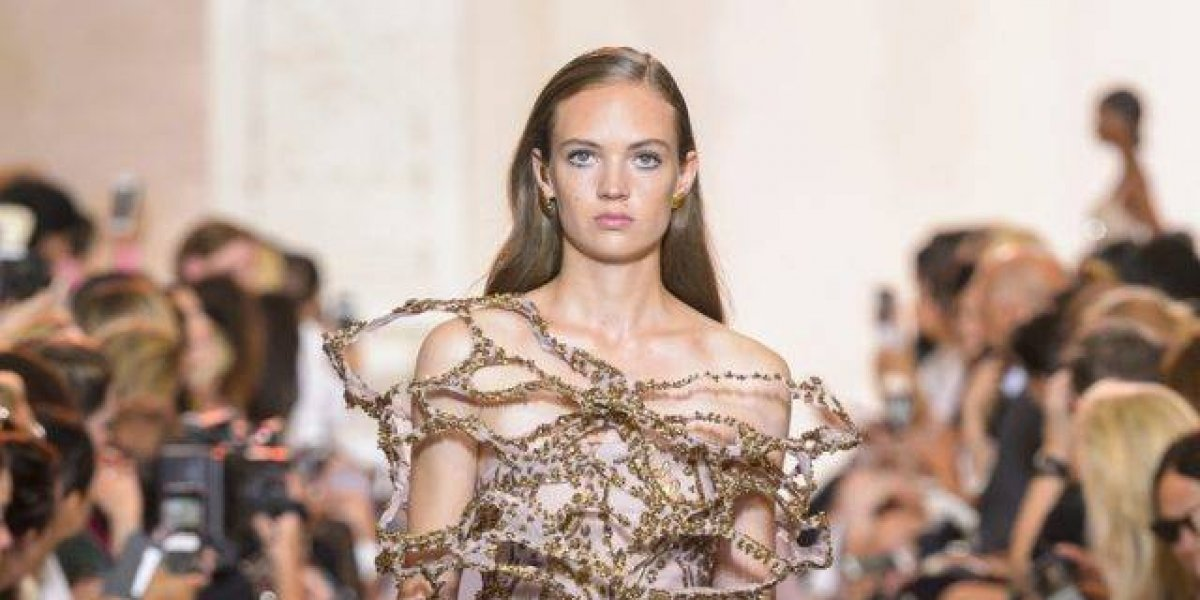 Elie Saab presenta colección 'Of Forms And Light'