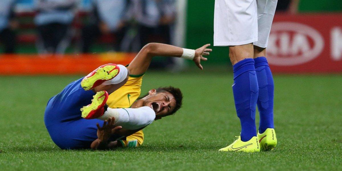 El #NeymarChallenge la está rompiendo en redes sociales