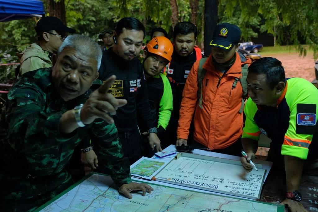 Tailandia: SpaceX prueba minisubmarino para ayudar a niños atrapados en cueva