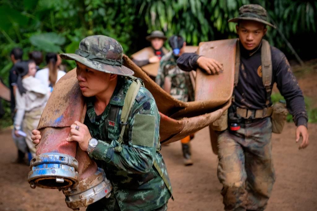 Ingenieros de Musk llegan a Tailandia a rescatar a niños en cueva