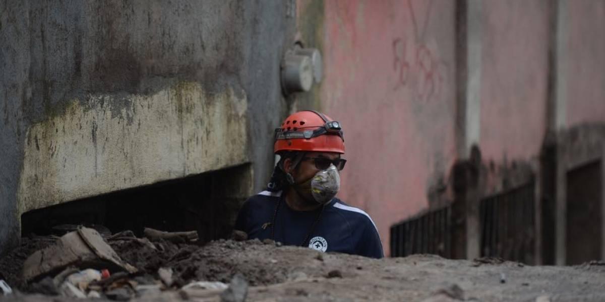 Ingeniero mecánico que trabaja para NASA apoya búsqueda en volcán de Fuego y critica falta de apoyo