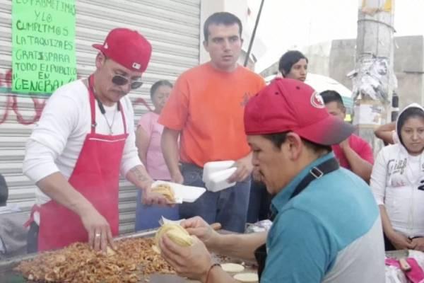 regalan tacos por victoria de AMLO