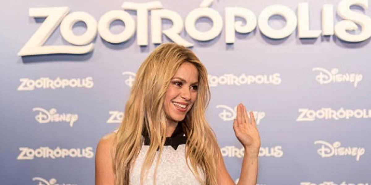 ¿Quién es el hombre que hace sonreír a Shakira? No es Piqué por cierto