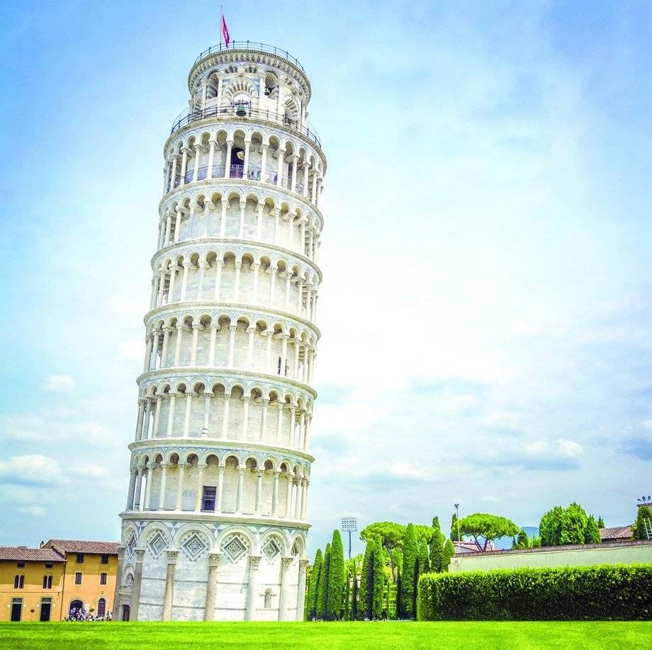 La Torre inclinada de Pisa es el campanario de la catedral de la citada ciudad. Dreamstime