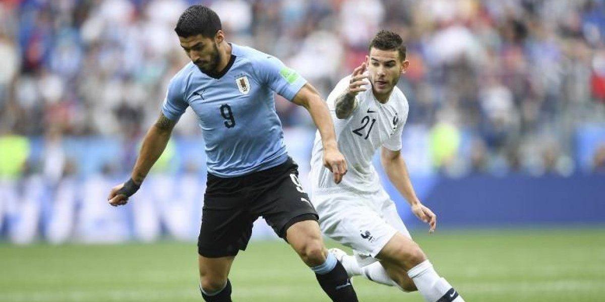 Suárez se lesiona y Uruguay no tendrá a su pareja goleadora en la China Cup