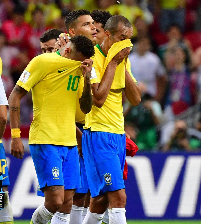 Neymar salió frustrado junto con sus compañeros