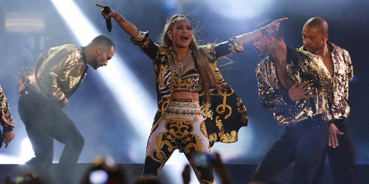 Jennifer López, Luis Miguel y Romeo Santos entre las giras más lucrativas del momento