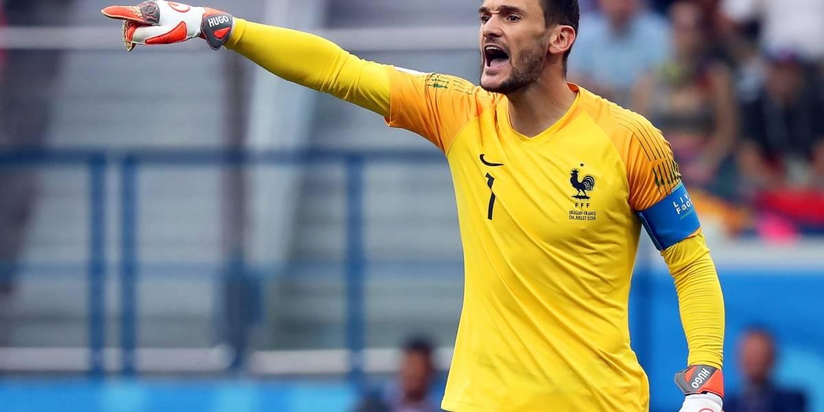 Portero de Francia casi se traga libélula en pleno partido ante Uruguay