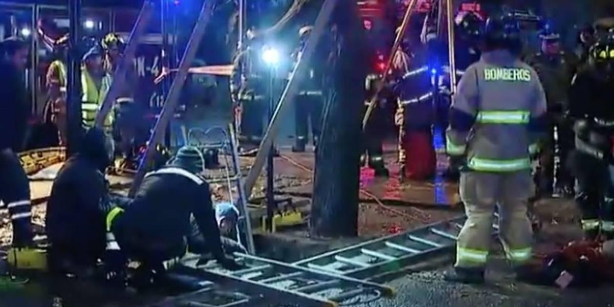 Emergencia: rescatan con vida a hombre que cayó en profundo socavón en San Bernardo