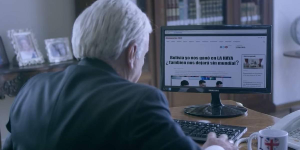 """""""Ya nos ganó en La Haya ¿También nos dejará sin Mundial?"""": el comercial boliviano que se """"burla"""" de Piñera y los chilenos para vender casas"""