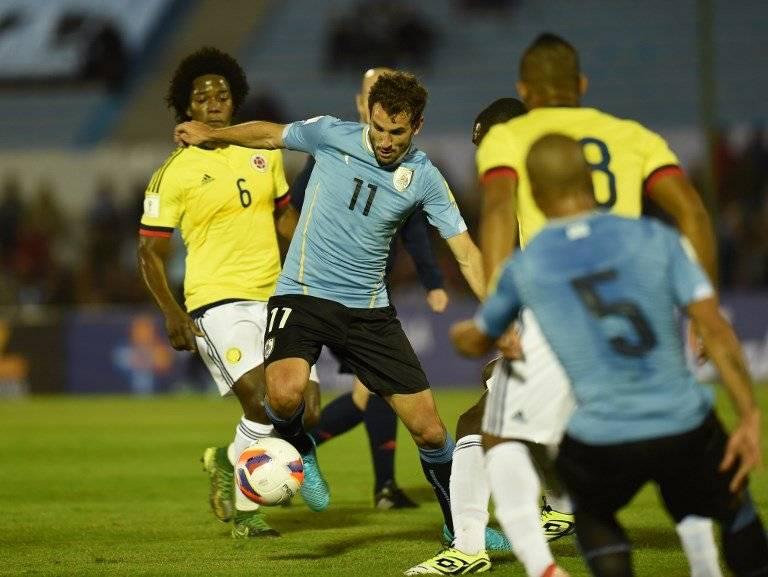 Christian Stuani durante un partido de Uruguay contra Brasil