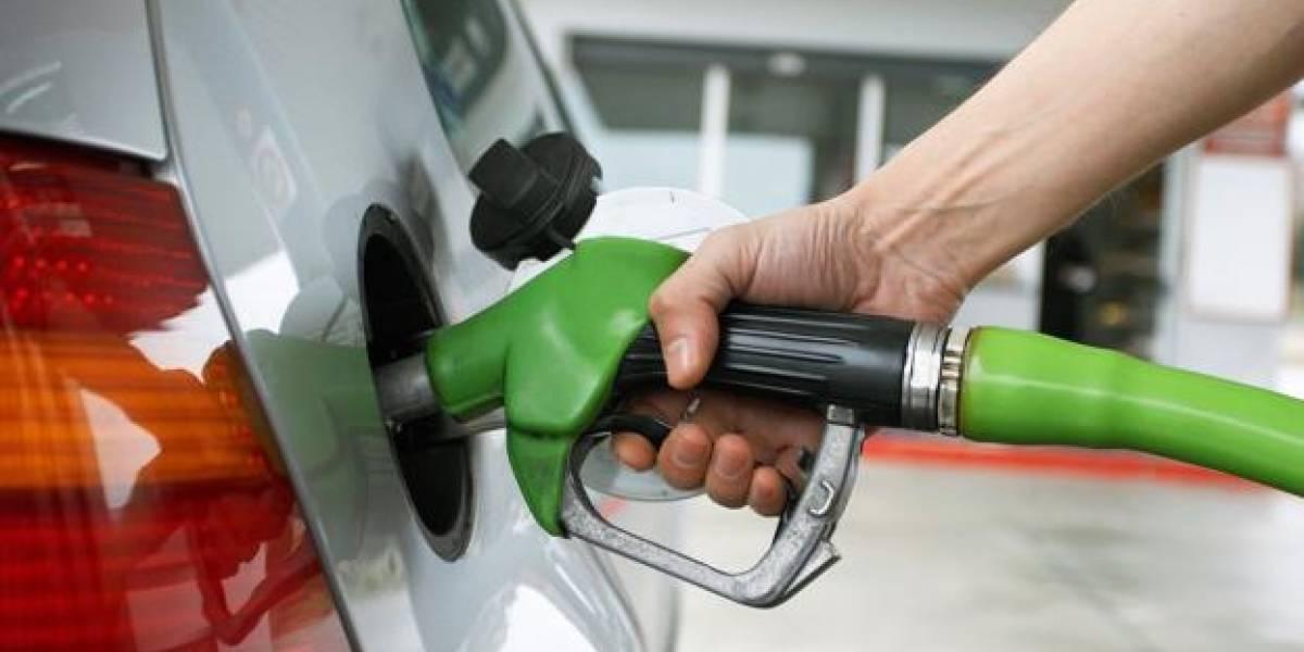 Combustibles bajan entre dos y seis pesos por galón