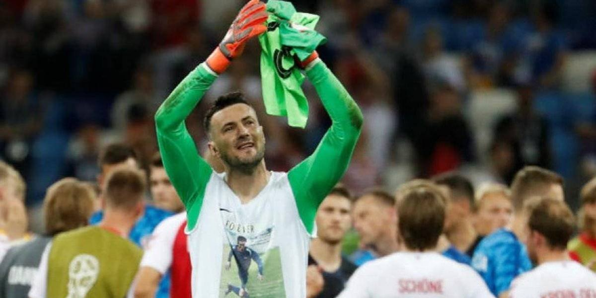 FIFA manda fuerte advertencia al portero de Croacia