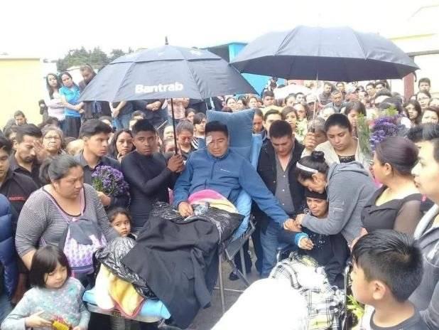 entierro de bebé atropellada en San Lucas