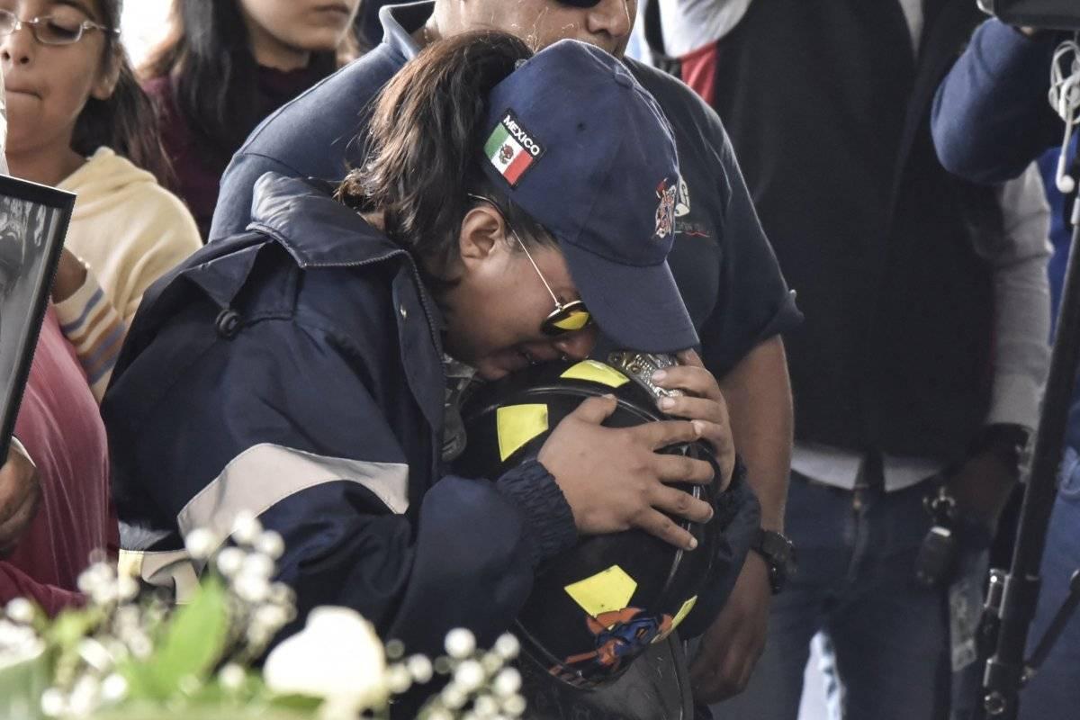 Homenaje a bomberos caídos por la explosión en Tultepec Foto: Cuartoscuro