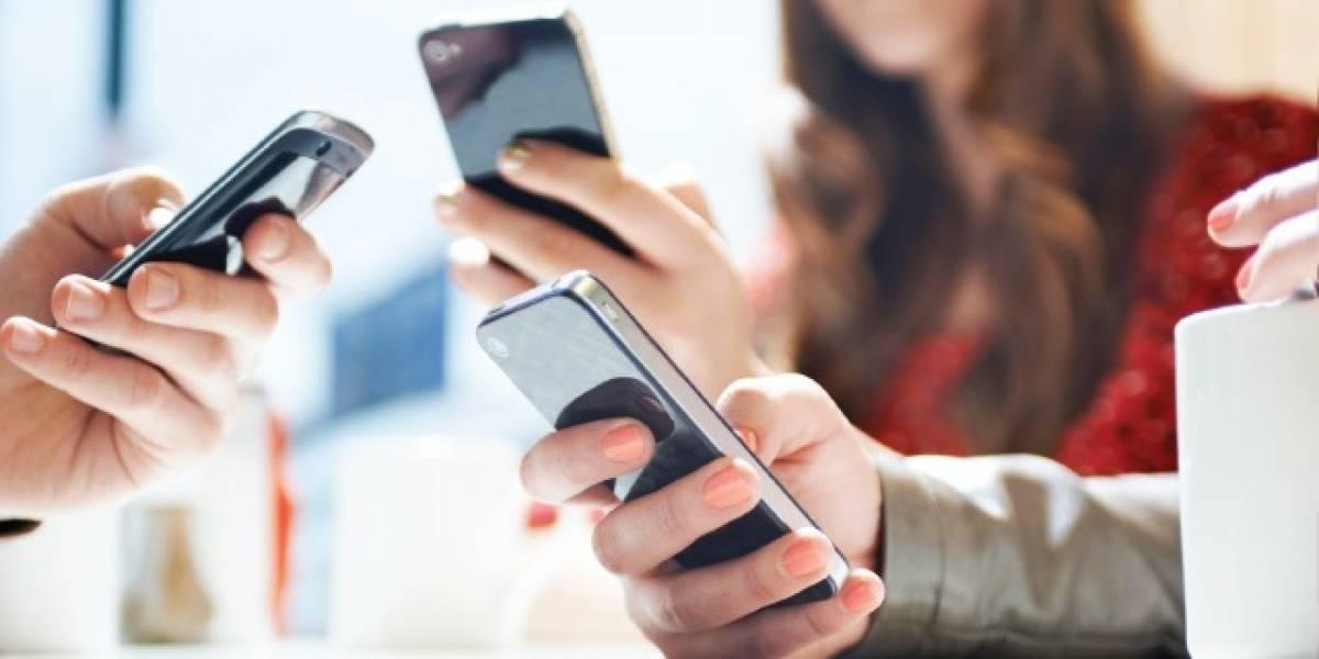 Gobierno propone una baja de más de un 80% en cargos por telefonía móvil