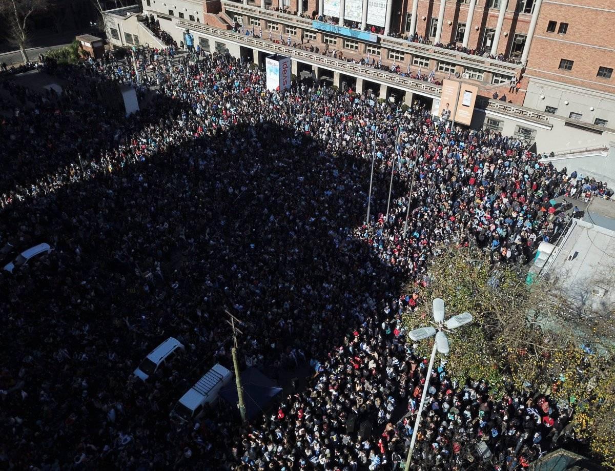 Aficionados uruguayos se concentraron en el Ayuntamiento en Motevideo