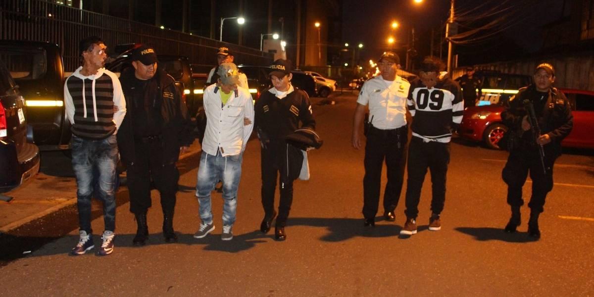 Capturan a supuestos asaltantes grabados en video en la zona 1