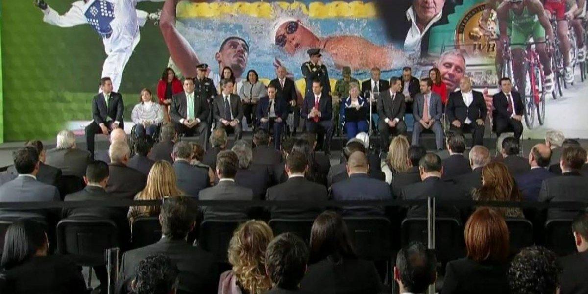 Rinden homenaje a Guillermo Echeverría Pérez por récord mundial de hace 50 años