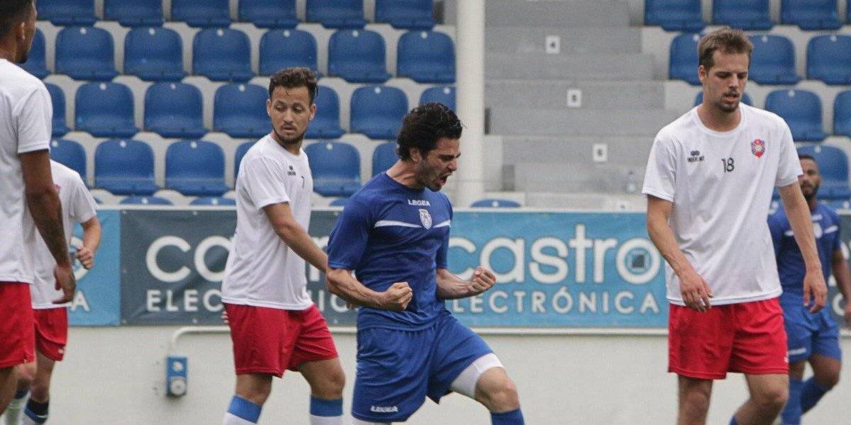 Antonio 'el pollo' Briseño anota con el Feirense