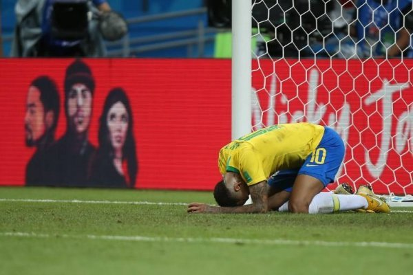Neymar se burló de sí, y se unió al 'Neymar Challenge'