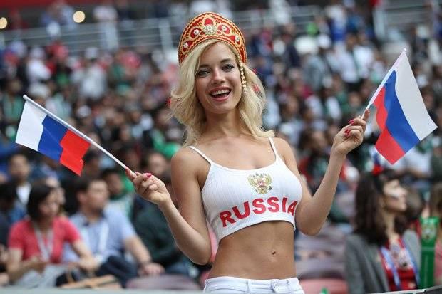Rusia 2018: La fanática rusa más sexy hizo una osada promesa