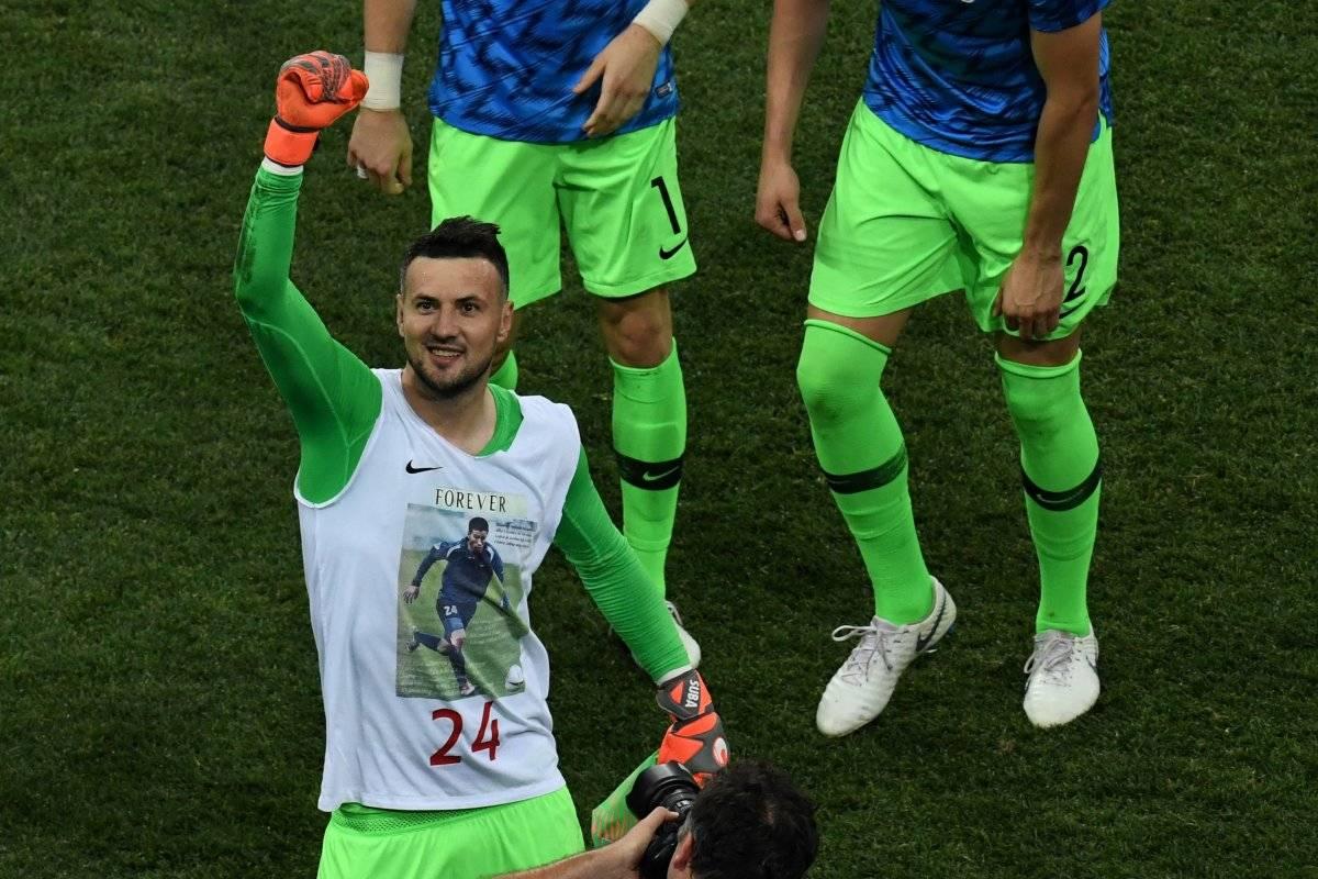 Subasic le rindió un homenaje a su amigo y la FIFA le advirtió que lo sancionaría.