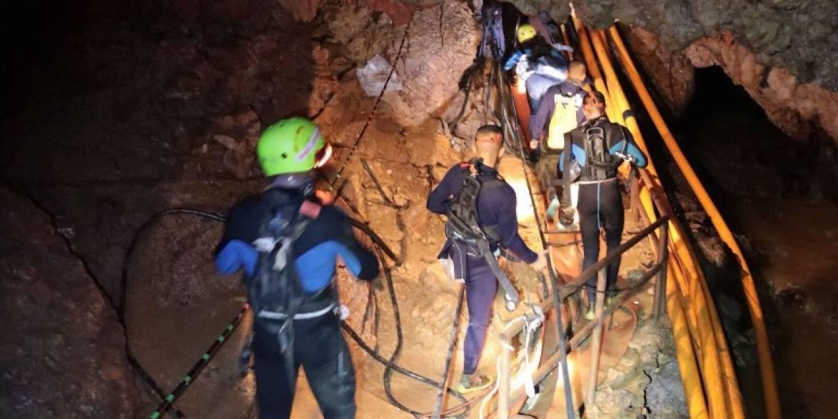 Inicia el rescate de niños atrapados en una cueva en Tailandia