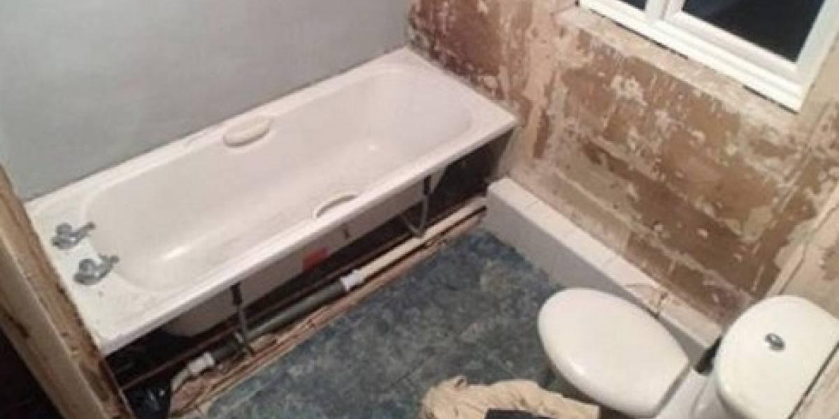 Familia decide renovar el baño y encuentran con dos inesperadas sorpresas