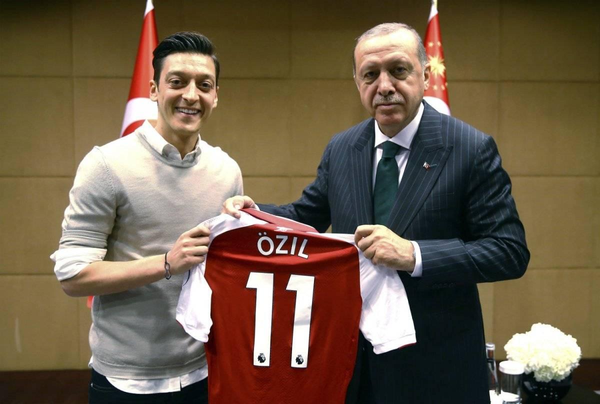 Özil con el presidente de Turquía.