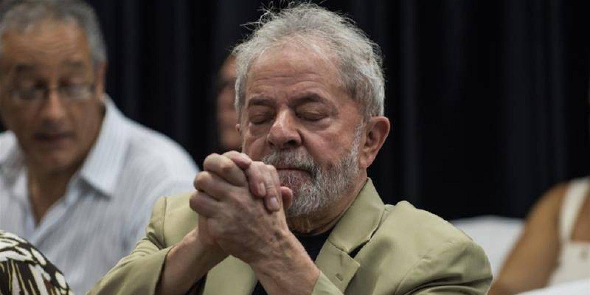 Justicia brasileña revoca la excarcelación inmediata de Lula
