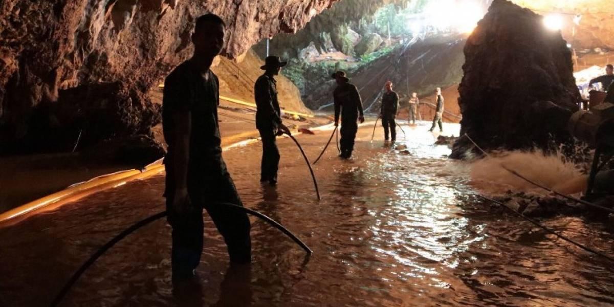 Rescatan a4 de los12 niños atrapados en cueva en Tailandia