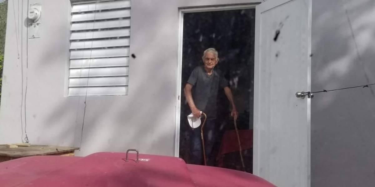 Claman por ayuda para anciano de Jayuya que vive en condiciones infrahumanas