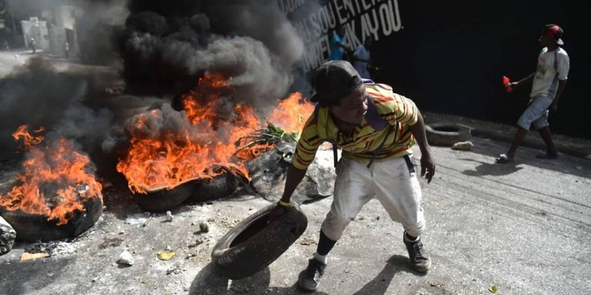 """Haití suspende """"hasta nuevo aviso"""" subida precio combustibles ante violencia"""