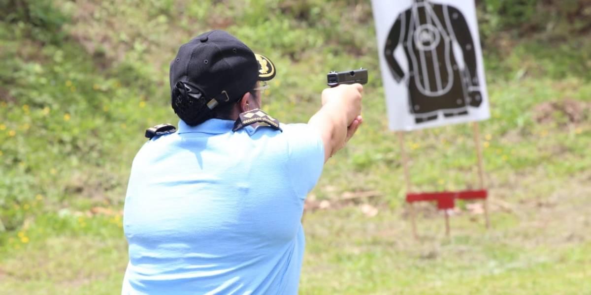 Agentes de la PNC participan en competencia de tiro